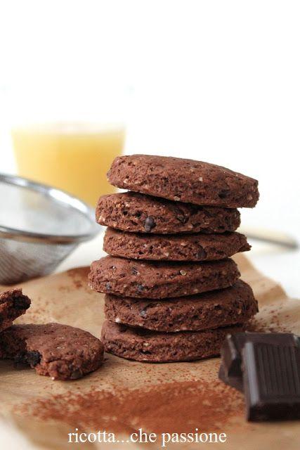 ricotta...che passione: Biscotti al doppio cioccolato, senza uova,senza latte, con succo di pere