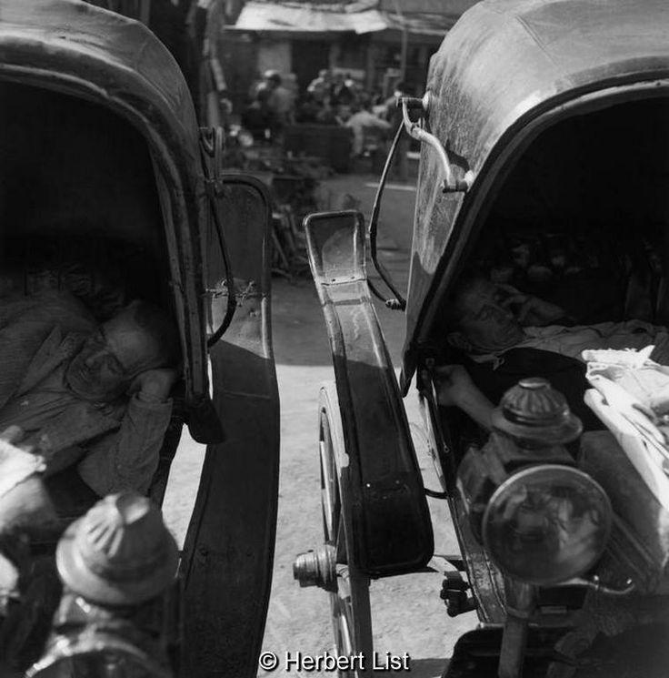 Herbert List Αθήνα, ώρα ξεκούρασης αμαξάδων