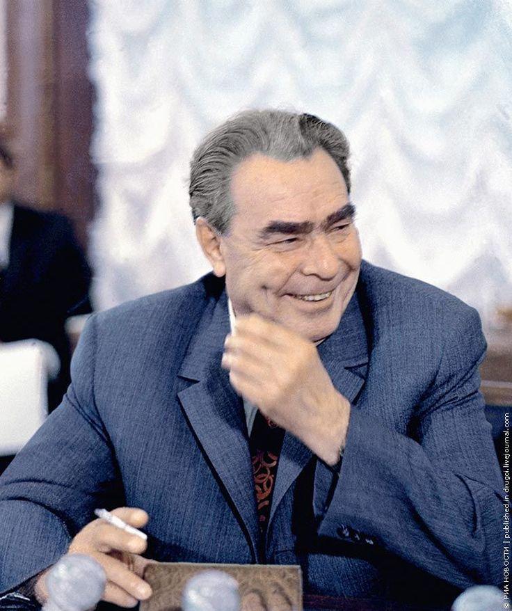 ccb7d673b4e0c7bb0c078b183d0b4cb1--soviet