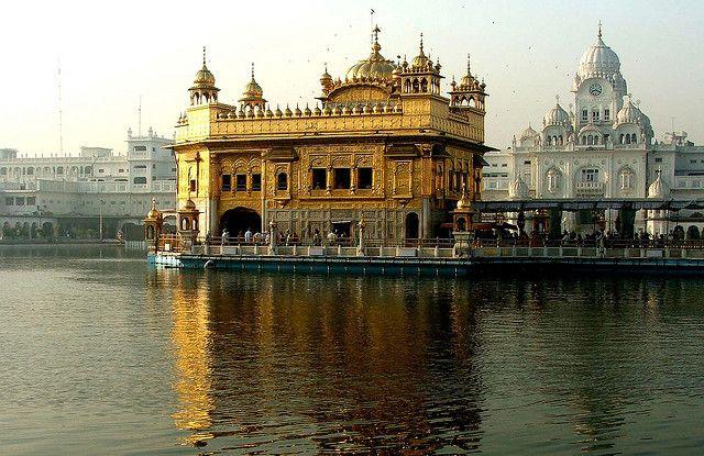 Harmandir Sahib: El Templo Dorado de Amritsar - Homo Architectus