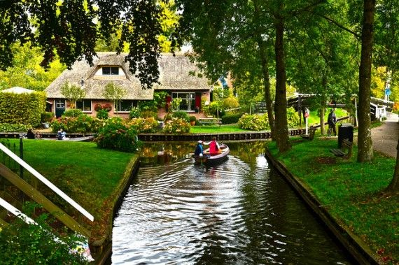 Giethoorn, Netherlands, no roads