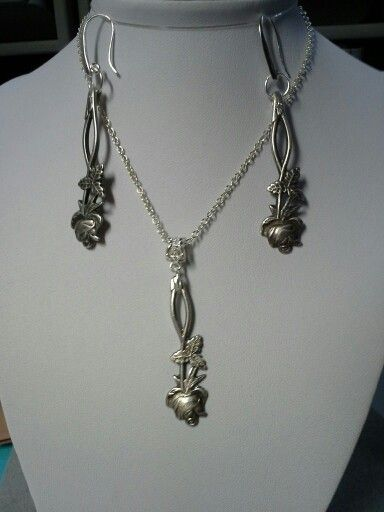 Spoon jewelry, https://www.facebook.com/kartano.resain/photos/pb.1456779324556620.-2207520000.1424105647./1597598177141400/?type=1&theater