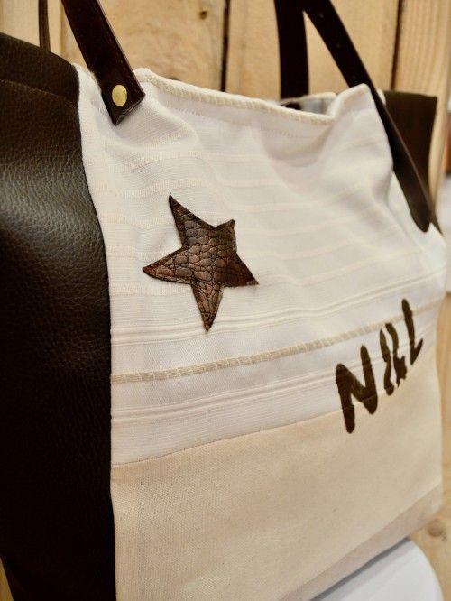 Sac a main cabas motif étoile lettre numéro toile rayée blanche tissu rayures beige simili cuir imitation python foncé chocolat