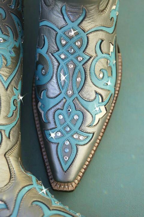 Super random to find your own custom boots while scrolling through Pinterest!! Love it!