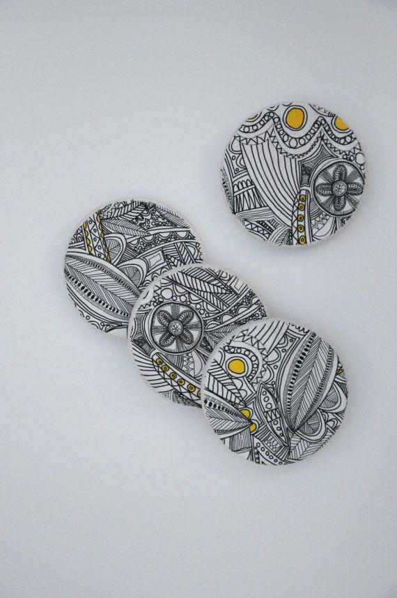 Wood Coasters black & white design set of 4