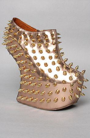KISS my shoe