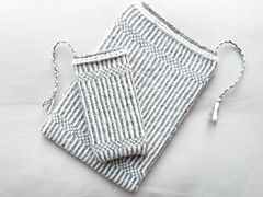 Ravelry: iPhone and iPad Mini case Mårten pattern by Hilly Knits - Hilly van der Sluis