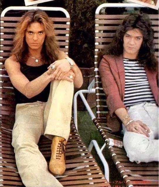 David Lee Roth & Eddie Van Halen lounging poolside