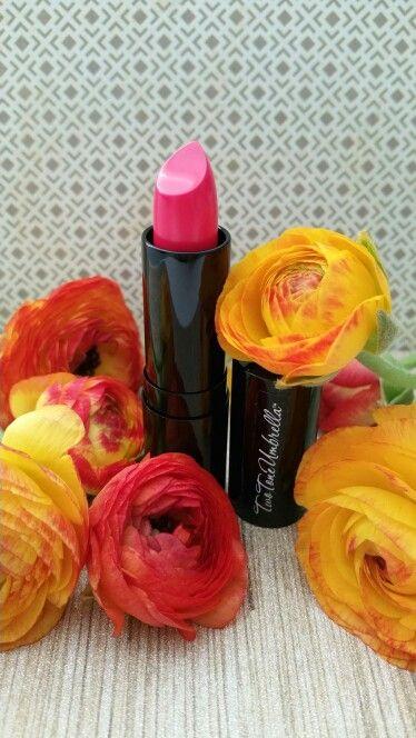 Great Spring tone.  @twotoneumbrella  Lipstick - Kiss n Tell