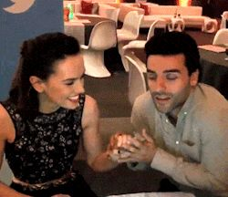 Oscar Isaac & Daisy Ridley Baby It's Cold Outside
