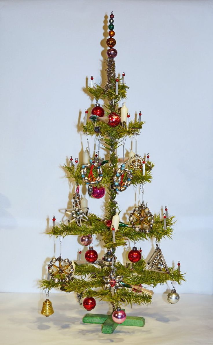 Glass christmas tree with ornaments miniature - Antique German Feather Tree With Antique Glass Ornaments Some Beaded Ornaments From Czechoslakia