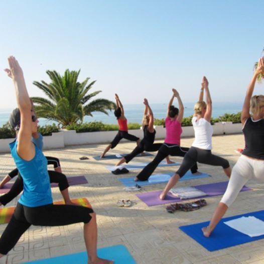 Присутствует ли в вашем утреннем рационе #зарядка? Хотите в #йога-#тур!? Данное это экзотическое путешествие подойдёт для давно занимающихся, кто и дня не может прожить без йоги, так и тех, кто начал своё знакомство с практикой. Йога-туры - это выездные семинары и мастер-классы, которые позволяют вырваться человеку из привычной среды и сосредоточиться на практике. Направления: привычные курорты (#Египет, #Турция) и экзотические места (#Непал, #Тибет). Ну, и #Россия