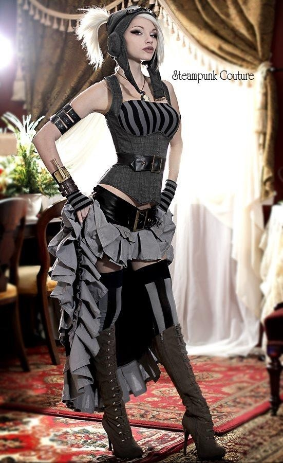 amazing, sexy steampunk outfit!