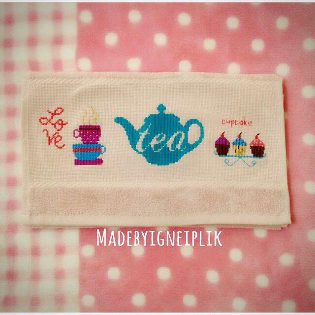 Cross stitch  towel / cupcake / tea