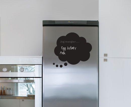 Krittavle wallsticker - Spesialfolie som fungerer som krittavle. Kritt følger med. Perfekt på og rundt matskap eller kjøleskap.