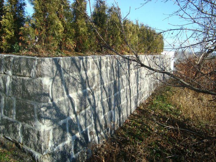mur de soutien en blocs de pierres par am nagement paysagiste du portugal mur de sout nement. Black Bedroom Furniture Sets. Home Design Ideas