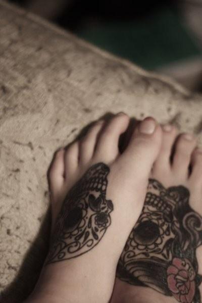 sugar skulls - Click image to find more Other Pinterest pins: Tattoo Ideas, Dead Tattoo, Feet Tattoos, Body Art, Mexicans Skull, Ink Tattoo, Day Of The Dead, Dia De Los Muertos, Sugar Skull Tattoos