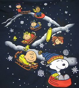 <3 Snoopy and the gang sledding looks like fun Peanuts Gang and Charlie Brown