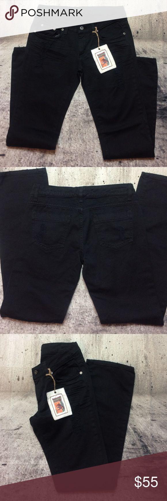 """CARMAR boyfriend ripped jeans CARMAR boyfriend ripped jeans 100% cotton inseam 32"""" rise 8"""" LF Jeans Boyfriend"""