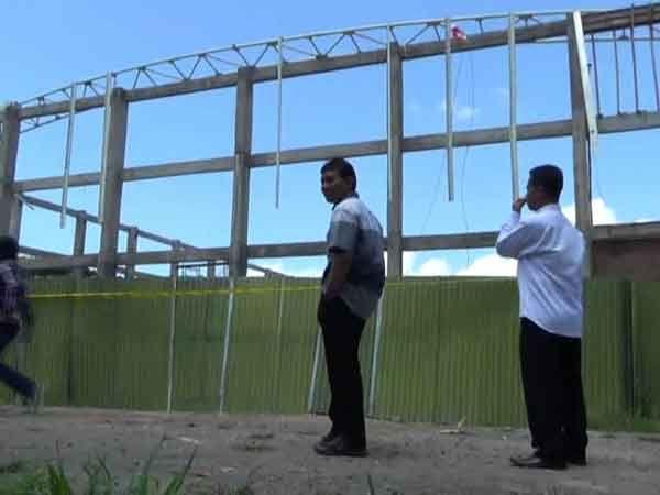 DPRD Sidak Lokasi Robohnya Kerangka Atap Stadion Kanjuruhan
