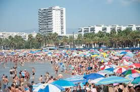 Long Beach, Salou. Relax beach side, and earn your living as an affiliate marketer, take your job with you how cool does that sound? ---> www.Livealifeofyourdreams.com/beachfreedom