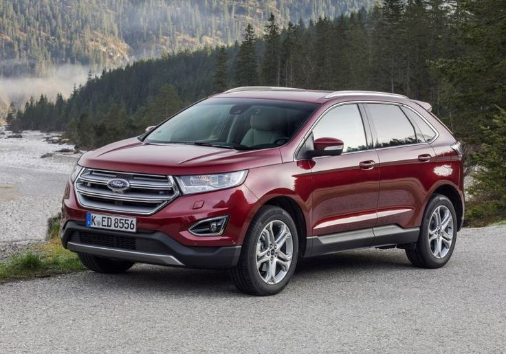 2017 Ford Edge front 1
