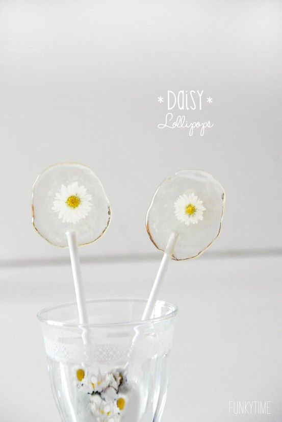 ZsaZsa Bellagio dasiy lollipops..;such a cute idea although of course they would melt!!