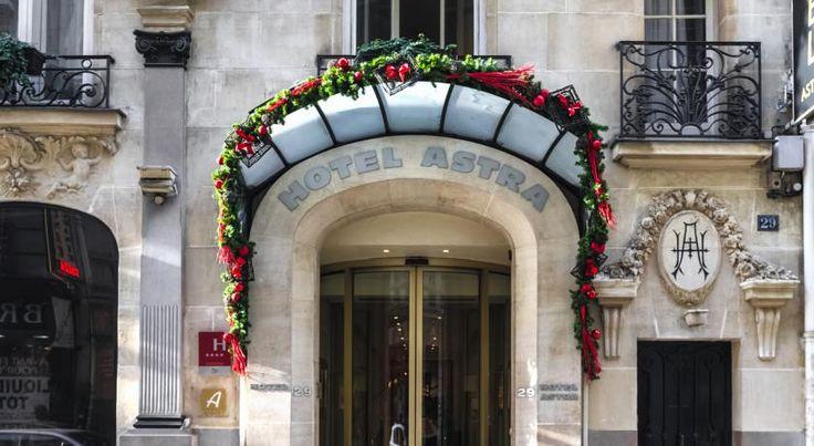 Отель Astra Opera расположен в центре Парижа, между зданием Опера Гарнье и площадью Мадлен. К услугам гостей отеля Astra Opera бар со стеклянной крышей и стильные звукоизолированные номера.  Номера отеля с бесплатным Wi-Fi оснащены док-станцией для iPod, кондиционером и телевизором со спутниковыми каналами. В собственной ванной комнате с феном установлена ванна или душ. В числе удобств мини-бар с бесплатными безалкогольными напитками.