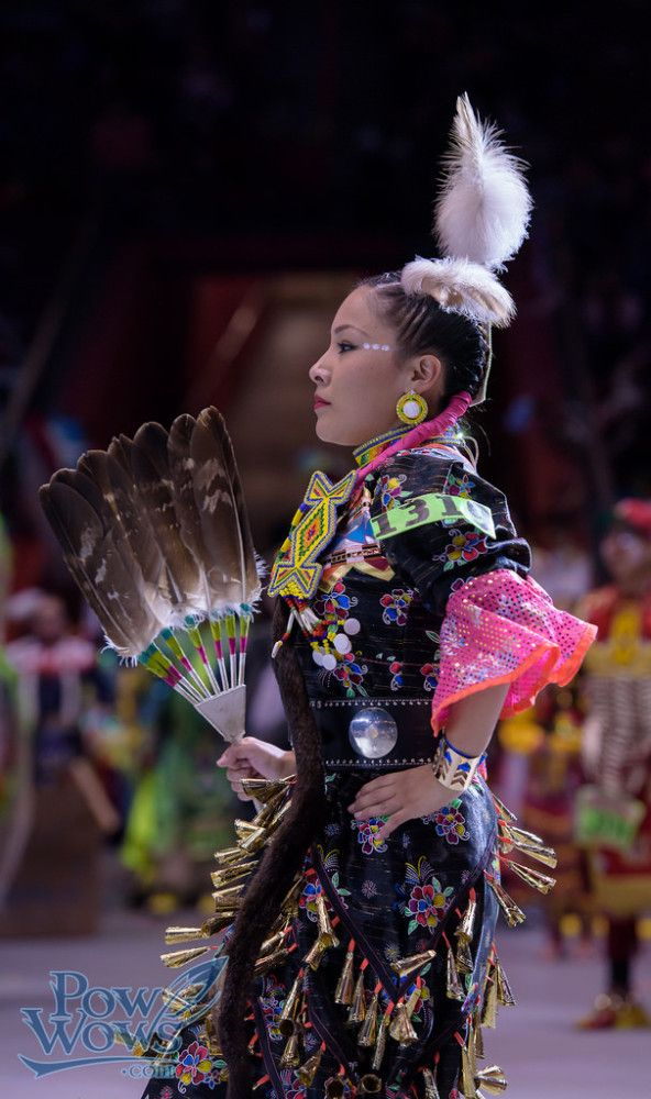 Pow Wow Photos – PowWows.com » » Jingle – 2015 Gathering of Nations Pow Wow