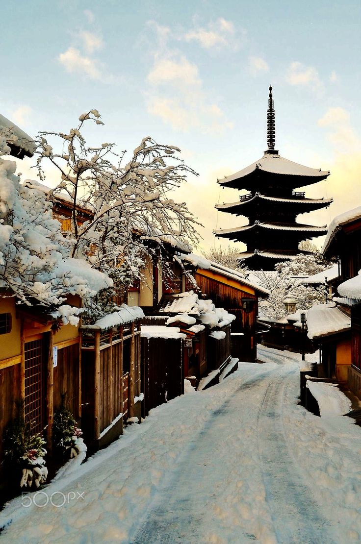 Snow in Kyoto by Ekaterina Georgieva (Japan)
