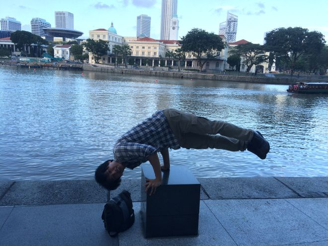 Gator Alex Cho becomes part of the scenery while studying abroad in Singapore.