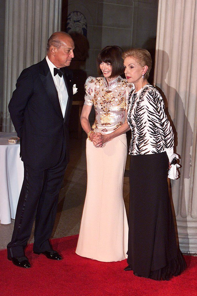 """At the 2001 gala, Oscar de la Renta, Anna Wintour and Carolina Herrera were the chairs of """"Jacqueline Kennedy: The White House Years."""" Annette de la Renta and Cristina and Lindsay Owen-Jones were also co-hosts."""