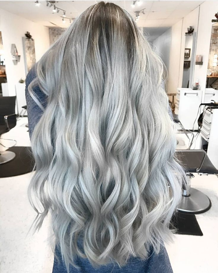 "299 Me gusta, 6 comentarios - Fanola Professional USA (@fanola) en Instagram: ""Mermaid hair by @abbeybrookee and @josievilay . Swipe left to see the before photo!"""