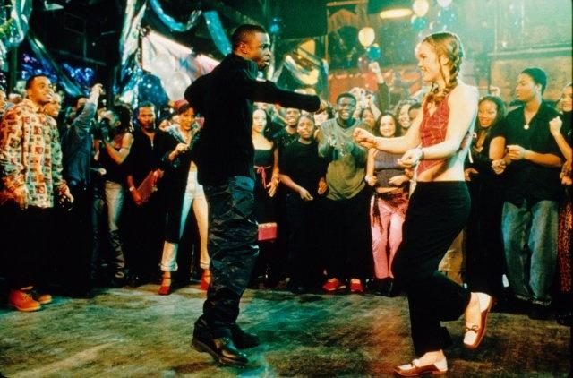 Julia Stiles and Sean Patrick Thomas in Espera al último baile