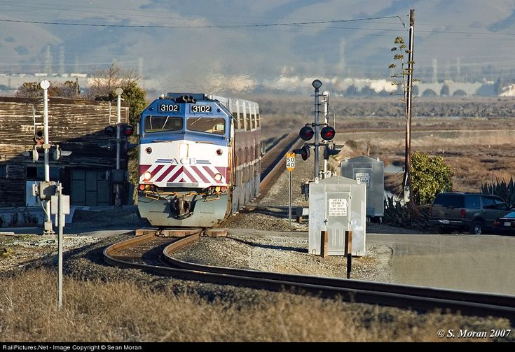 RailPictures.Net Photo:The #5 ACE train is running around 15 minutes late on it's trip from Stockton to San Jose, undoubtedly resulting in some unhappy commuters. by Sean Moran