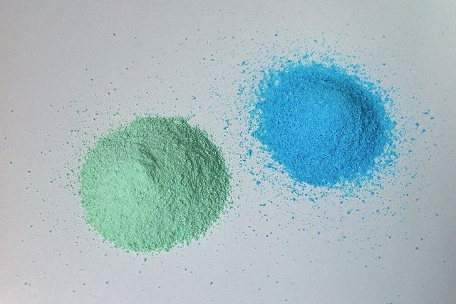 Who doesn't love a good color run? Make your own color powder and brighten up your 5k.