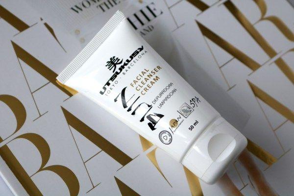 Northflix probeerde de salon reiniger: de Bijin Facial cleanser cream van Utsukusy. Je vraagt je af wat paaseieren met Utsukusy te maken hebben, je leest het hier! http://www.northflix.nl/review-utsukusy-bijin-facial-cleanser-cream/