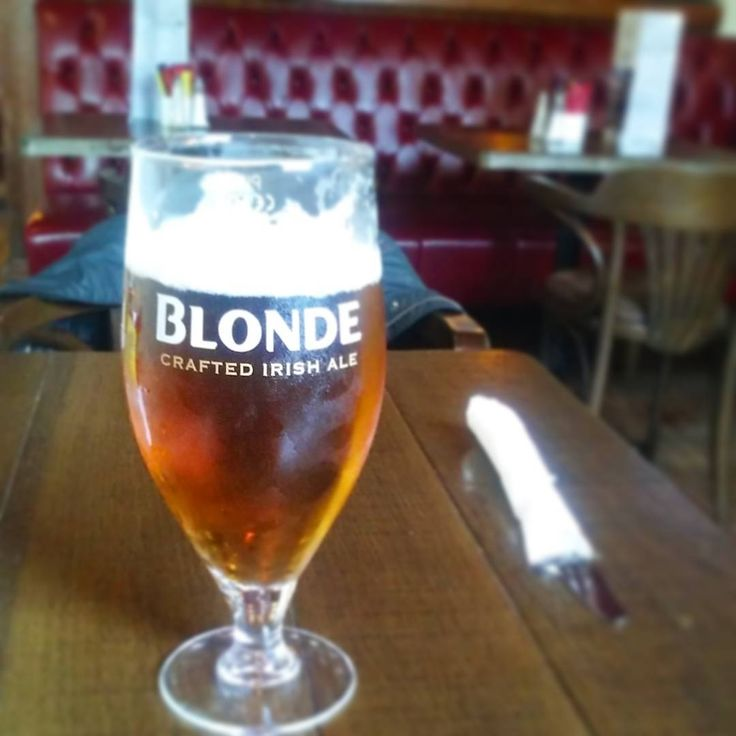 Having dinner with a blonde today! Slainte!!  #smithwicks #blonde #beer #drink #thecocktavern #pub #beeroftheday #dublin #swords #ireland #instabeer #öl #olut #bier #slainte #havingabeer #cheers #beeragram #visitdublin #beerporn #beerpic #booze #beergeek #beersoftheworld #irishbeer #kilkennybeer