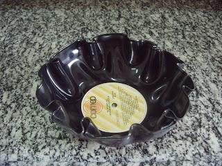 Tânia Mara: Artesanato com discos de vinil