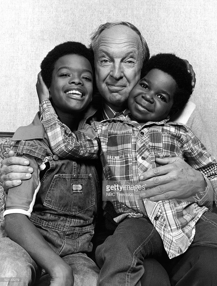 American actors Todd Bridges (L) and Gary Coleman (1968-2010) flank Canadian actor Conrad Bain (1923-2013) as they pose for a publicity photo for the NBC television series 'Diff'rent Strokes, 1978.