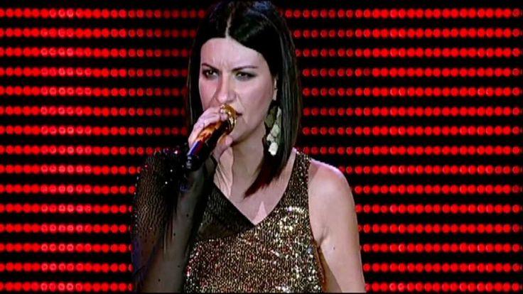 Laura Pausini - Amores Extraños (live). HD-1080p