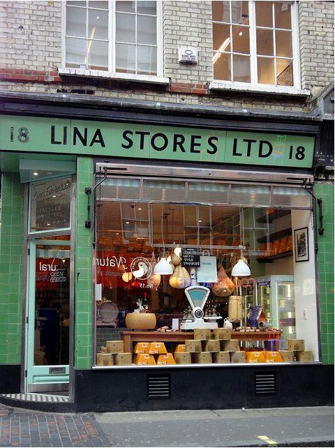 SHOP - Faire des provisions de produits italiens chez Lina sur Brewer St, The épicerie italienne depuis 1944