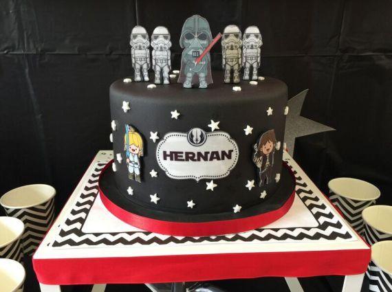 Iconic-Star-Wars-Birthday-Party-Cake