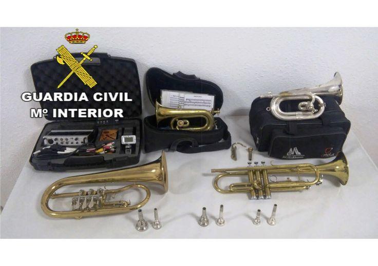 Detenidos dos jóvenes por robar instrumentos musicales en Villanueva de la Reina