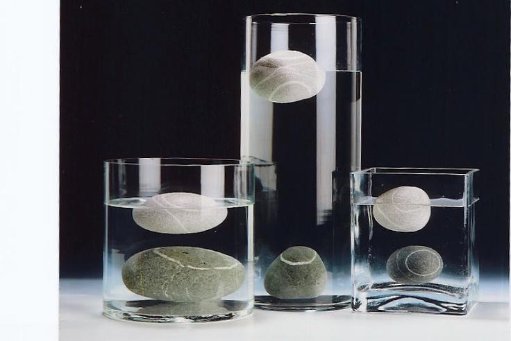 Alfredo Gioventù_floating ceramic stones