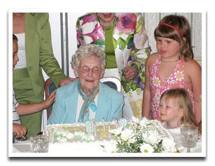 90th Birthday Party ideas (even though mom is only 80-this site has some good things to think about and do!)