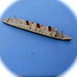 queen mary cruiser miniature