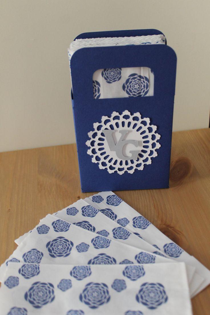 Set di 50 kraft paper bags con scatola espositore / sacchetti carta kraft confettata possibilità di personalizzazione. custom packaging di PickaPack su Etsy