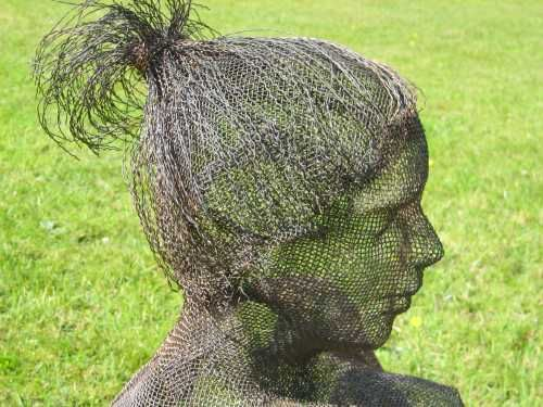 wire mesh garden statues sculptures by sculptor nikki taylor in garden or yard outside and outdoor sculptures garden sculpture for sale artparks