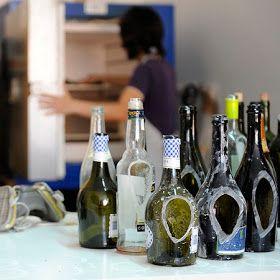 """Lucia Bruni nos muestra hoy una de sus colecciones realizadas en base a vidrio reciclado y 100% reciclable.     Bajo el nombre de """"Nino"""", ..."""